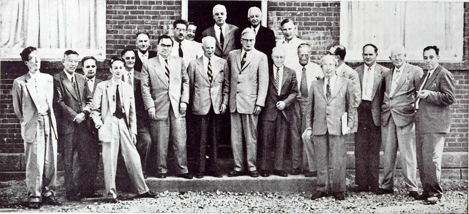 _en_1957_pugwash_group.jpg